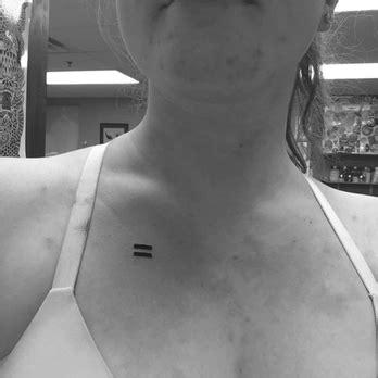 tattoo cost minimum name brand tattoo 27 photos 55 reviews tattoo 514