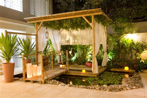 Outdoor Entertaining Tips - 10 ways to decorate your pergola