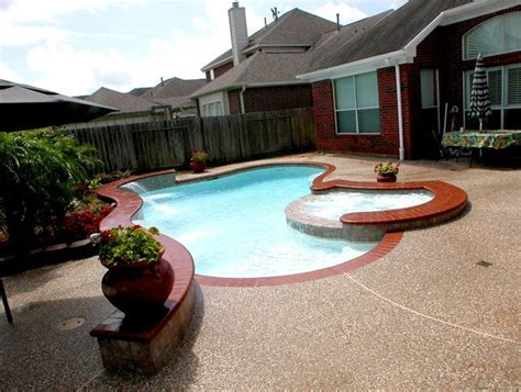 Backyard Kustom Pools Small Backyard Custom Swimming Pool Traditional Pool