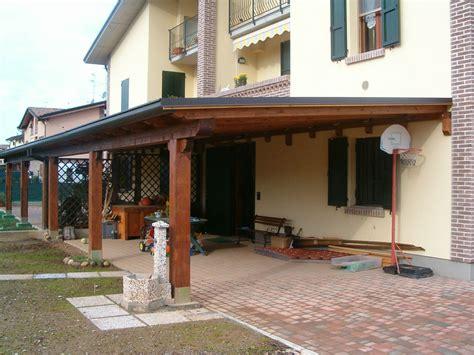 immagini di tettoie in legno la tettoia che lia l edificio richiede il permesso a