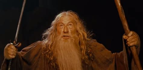 gandalf actor you shall not pass sir ian mckellen delivers iconic gandalf line from the