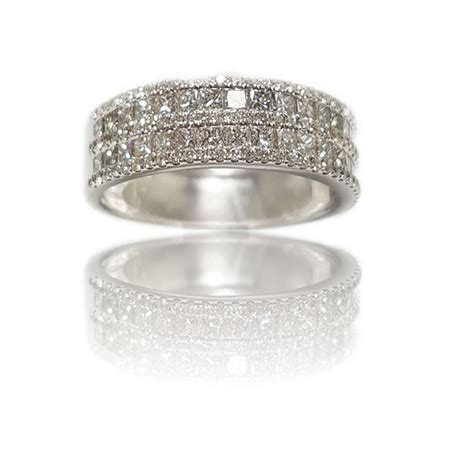 18ct white gold dress ring