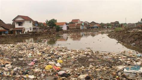pencemaran daerah aliran sungai citarum semakin parah