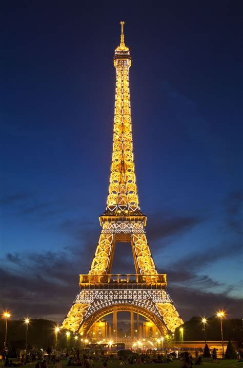 eiffel tower homeaway is renting out the eiffel tower for the