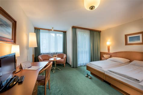 Gäste Bad Designs by Johannesbad Hotel Palace