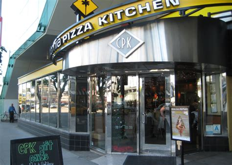 California Pizza Kitchen Manhattan by California Pizza Kitchen Cpk Gluten Free Pizza Is Back Gluten Free With Wendi E