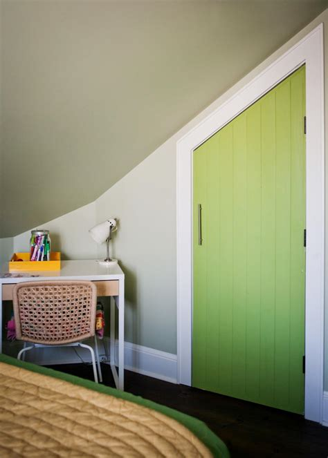 Old Hgtv Decorating Shows An Unused Attic Gets A Full Makeover Hgtv