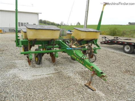 7000 Corn Planter by Deere 7000 4 Row Corn Planter Planting Seeding