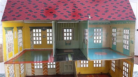 dollhouse i try to be my best i couldn t resist this vintage colonial dollhouse from the