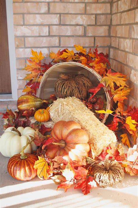 Thanksgiving Outdoor Decor 41 Cozy Thanksgiving Porch D 233 Cor Ideas Digsdigs