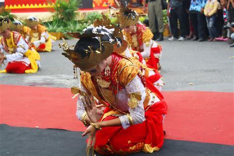 membuat proposal seni tari membuat proposal tari kreasi tari sigeh pengunten tradisi