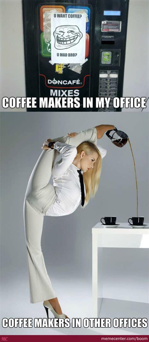 Kaos Coffee Makes Me Tweet coffee makers by boom meme center