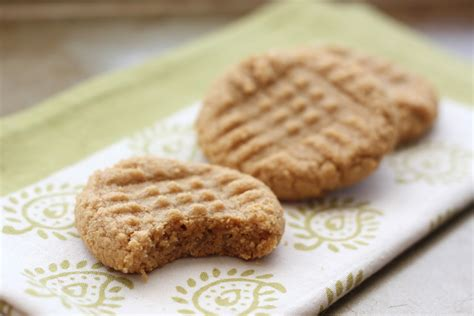 old fashioned 3 ingredient peanut cookies
