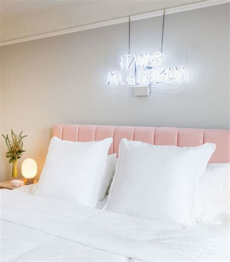 pink velvet headboard the 25 best velvet bedroom ideas on pinterest closet