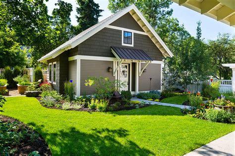 Bungalow Landscape Design Landscape Rustic With Vertical Bungalow Garden Design