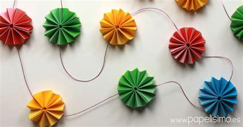 como hago cadenas de papel crepe moldes para hacer flores de papel periodico imagui
