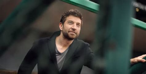brett eldredge fan club brett eldredge lives a cubs fan dream 94 3 kat country