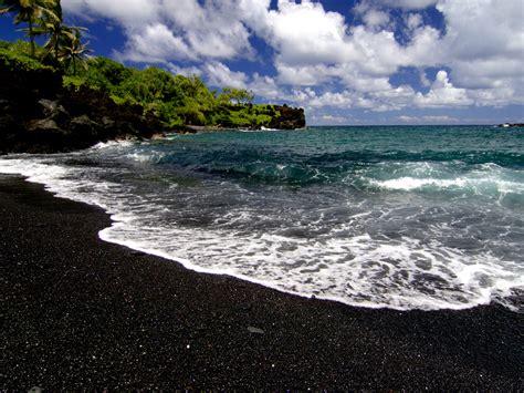 black sand beaches maui black sand beach maui hawaii hawaii beauty pinterest