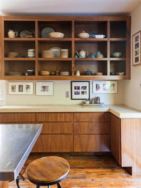tips  open shelving   kitchen hgtv