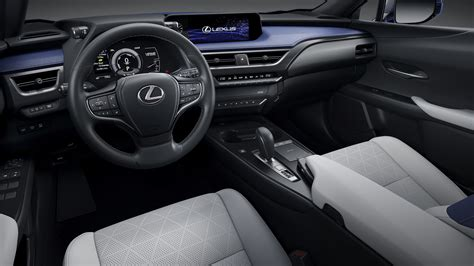 lexus ux  unveiled  china  firms  production