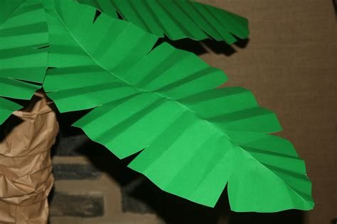 Make Paper Leaves - palm trees paper petals
