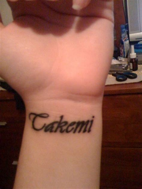 name tattoo on wrist pictures 35 graceful name tattoos for your wrist