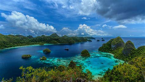green wallpaper jakarta indonesia sea clouds beach mountain tropical