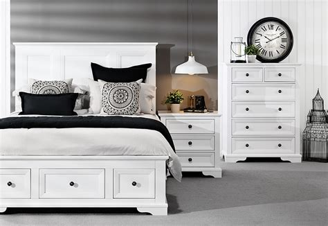 Top 5 Bedroom Styling Trends   Woman of Style and Substance