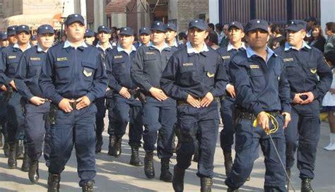 aumento de sueldo de policias octubre la provincia anunci 243 aumento de sueldo para polic 237 as y