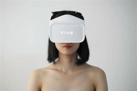 Fove Vr Fove Bringing Vr Headsets To Cafes Across Japan