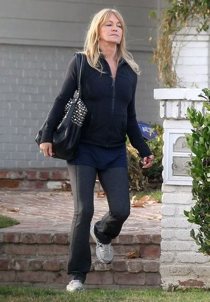 goldie hawn house goldie hawn photos photos goldie kurt leaving oliver s house in brentwood zimbio