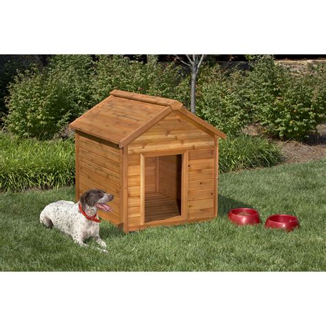 lowes dog house shop simply cedar large cedar dog house at lowes com
