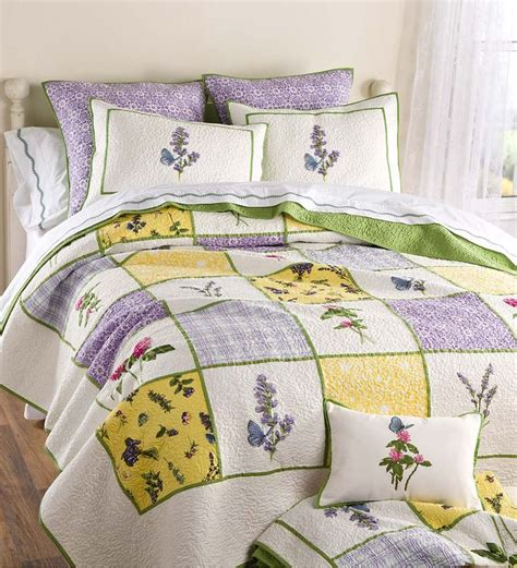 kayla hand guided yellow and white king quilt set for my 281 best beautiful bedrooms quilts bedding rugs
