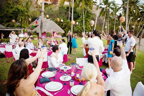 How To Plan A Backyard Wedding by Advantages Of The Outdoor Wedding Reception Weddingelation