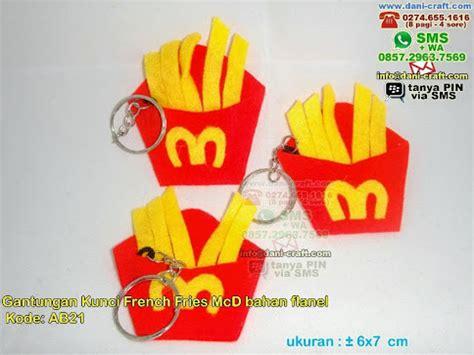 gantungan kunci french fries mcd bahan flanel souvenir
