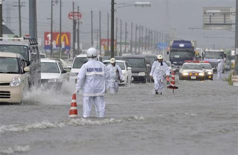 Lu Emergency Nagoya typhoon roke kills 5 as it batters tsunami ravaged japanese coast daily mail