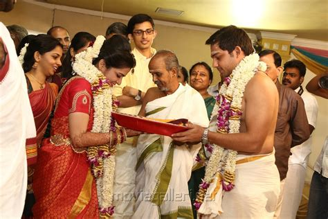 vijay tv anchor divyadarshini marriage picture 726448 tv anchor dd srikanth marriage photos