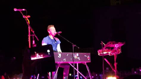 coldplay king coldplay dedicates everglow to late king of thailand youtube