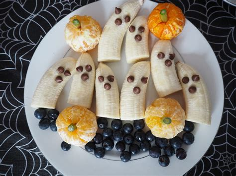 throwing  toddlers halloween party  minimal planning