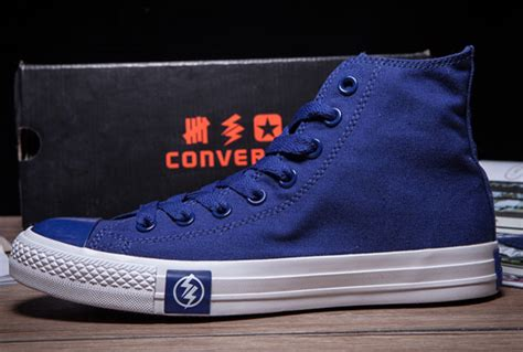 Converse Undefeated X The Flash Low Blue undefeated the flash converse chuck all blue