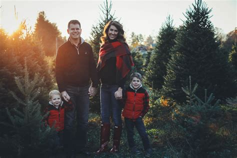 merry christmas tree farm family pictures   family  love