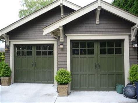 Craftsman Style Garage Brackets Under Eaves Windows On Trim Around Garage Door