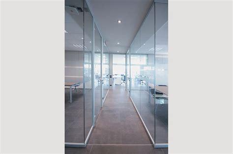 pareti vetro ufficio pareti divisorie in vetro l eleganza per i tuoi uffici