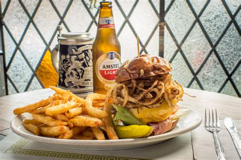 best burger new york best burgers in nyc hamburgers veggie burgers and more