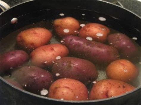 how long does it take to boil potatoes how long does