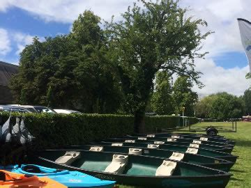 canoes thames henley canoe hire river thames our canoes