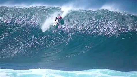 kelly slater surfing pipeline kelly slater pipeline masters epic second day youtube