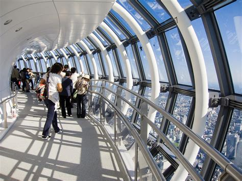 Cn Tower Interior by Where Are The World S 10 Highest Observation Decks
