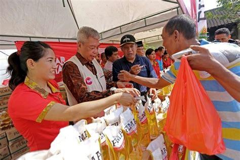Minyak Goreng Di Yogyakarta bazar rakyat sambangi yogyakarta sediakan minyak goreng berkualitas republika
