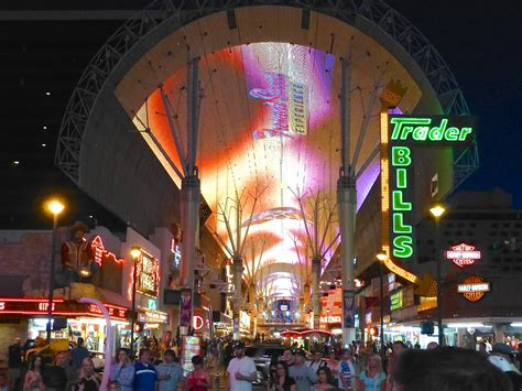 downtown las vegas light show light matters a flash back to the glittering age of las